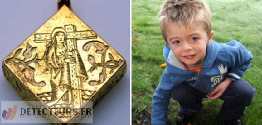 Médaillon en or de la famille royale